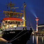 """Teil --31--: Hafenimpression Bremerhaven am 19.10.2016 """"Feierabend, aber nicht für das Leuchtfeuer"""""""