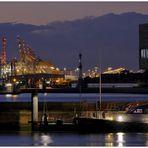 """Teil --33--: Hafenimpression Bremerhaven am 8.10.2016 """" Der Fluss &  und seine Hafenanlagen """""""