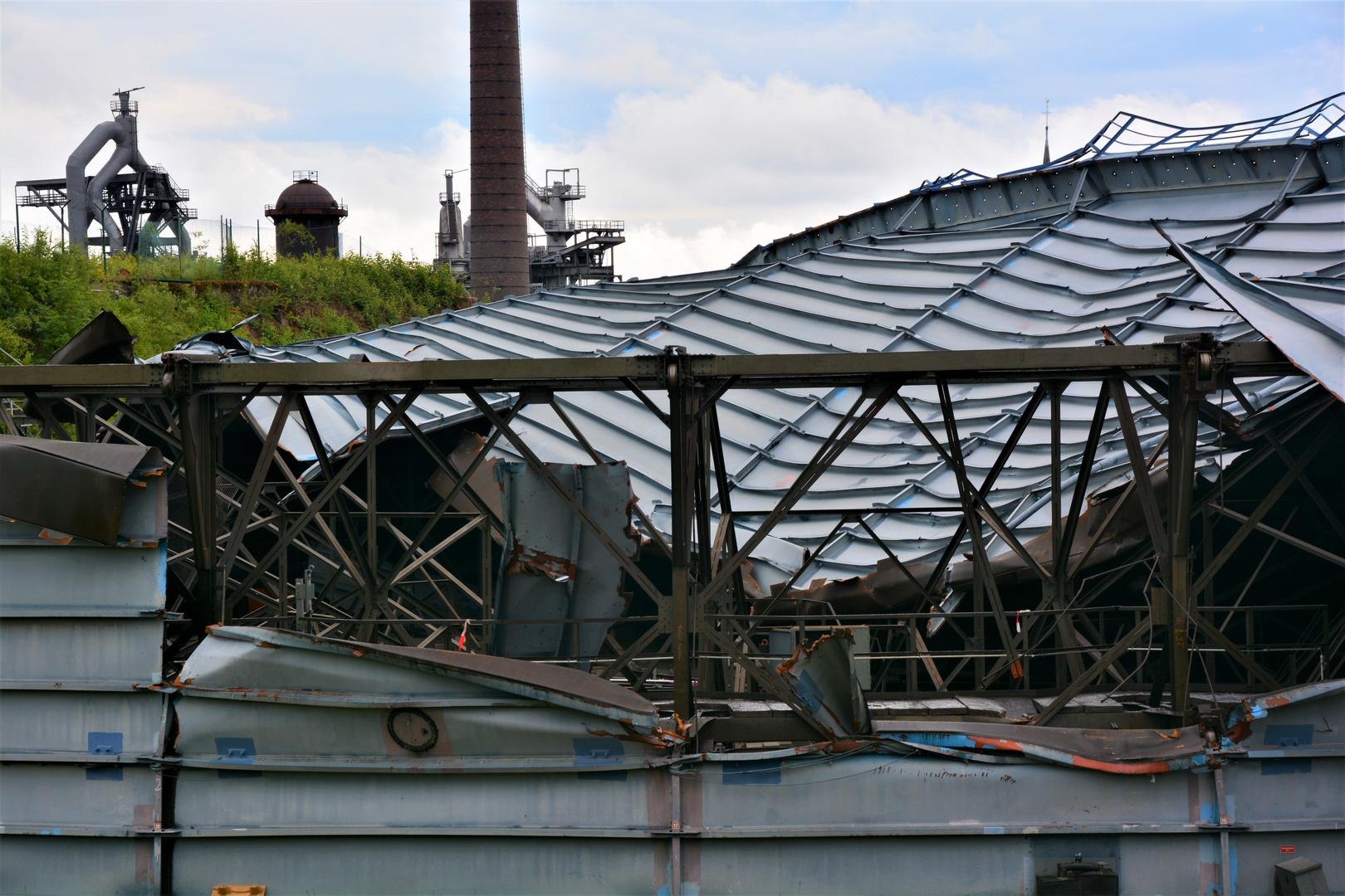 Teilansicht von 1000 Tonnen Stahl