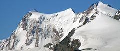 Teile der berühmten MonteRosa Ostwand sind auch  aus 3200m  von Hoh Saas gut zu sehen...
