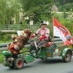 Teilnehmer bei der Oldtimer Traktor Parade