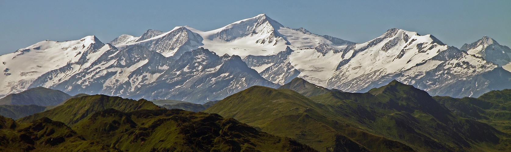 Teleaufnahme zum Großvenediger 3664m und in 41km Entfernung von der Hohen Salve Tirol