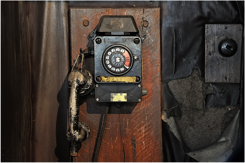 ---Telefon---