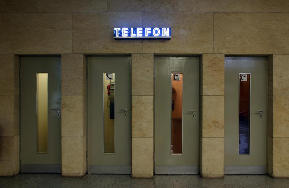 Telefon-Kabinen im Zentralflughafen