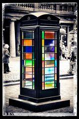 Telefonzelle (Kunstausstellung in Covent Garden), London, England