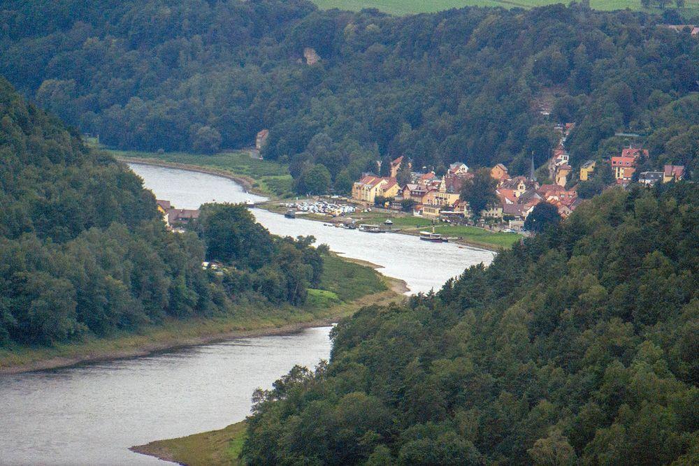 Telezoom-Blick auf die Elbe