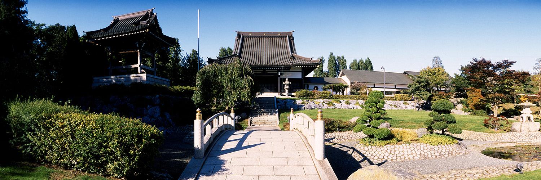 Tempel und Glockenturm