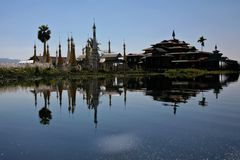 Tempel und Stupas
