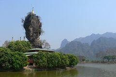 Temple à Kyuk Ka Lat (Birmanie)