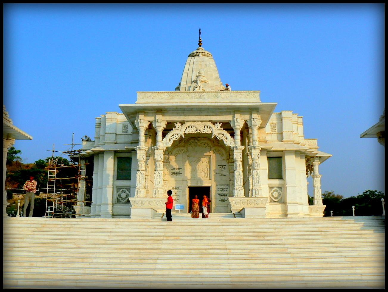 Temple  dans les environs de Jaïpur