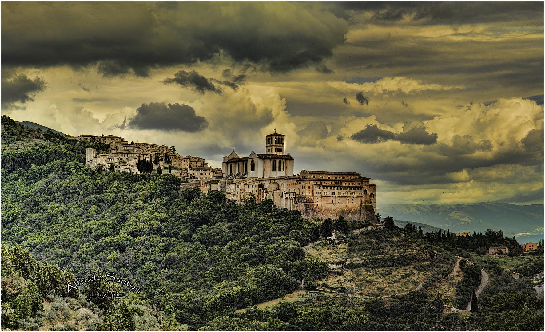 Temporale su Assisi