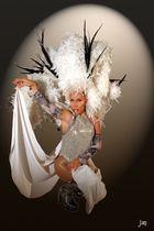 Tendance - plumes et strass