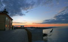 Termoli, tramonto sul muraglione