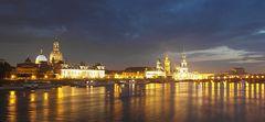 Terrassenufer Dresden spätabends