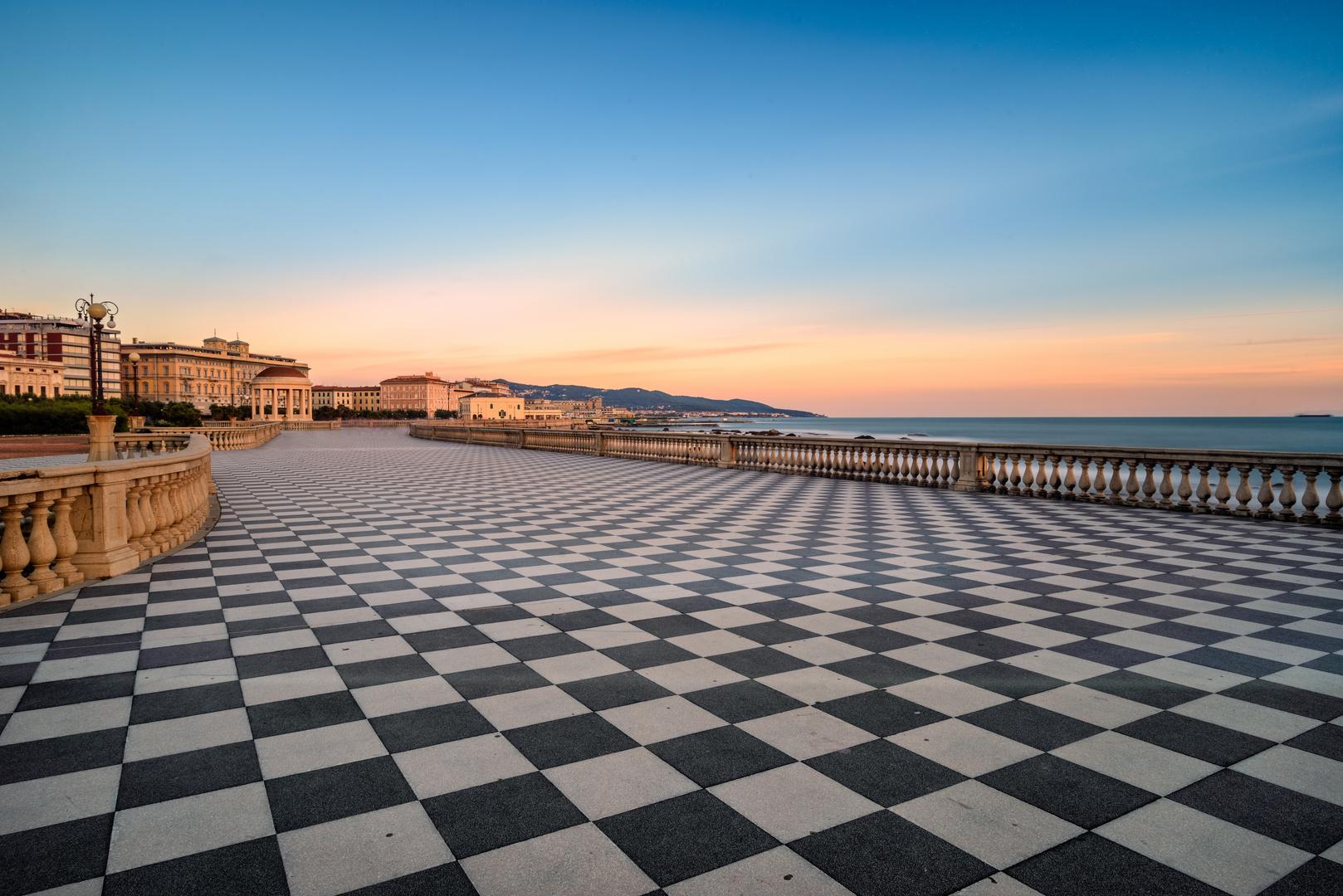 Terrazza Mascagni - Livorno Foto % Immagini| paesaggi, albe e ...