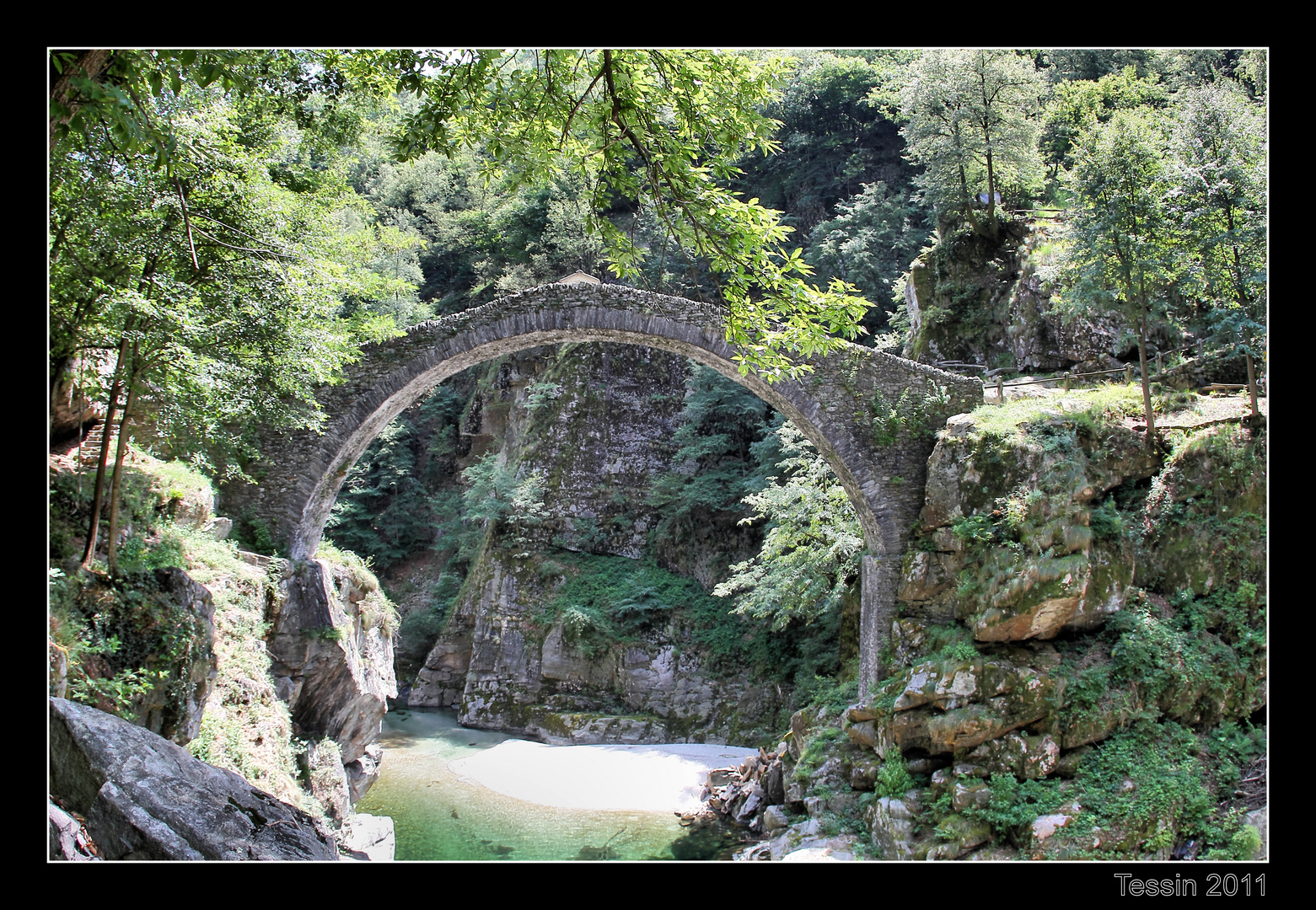 Tessin 2011 Ponte Romano - Intragna