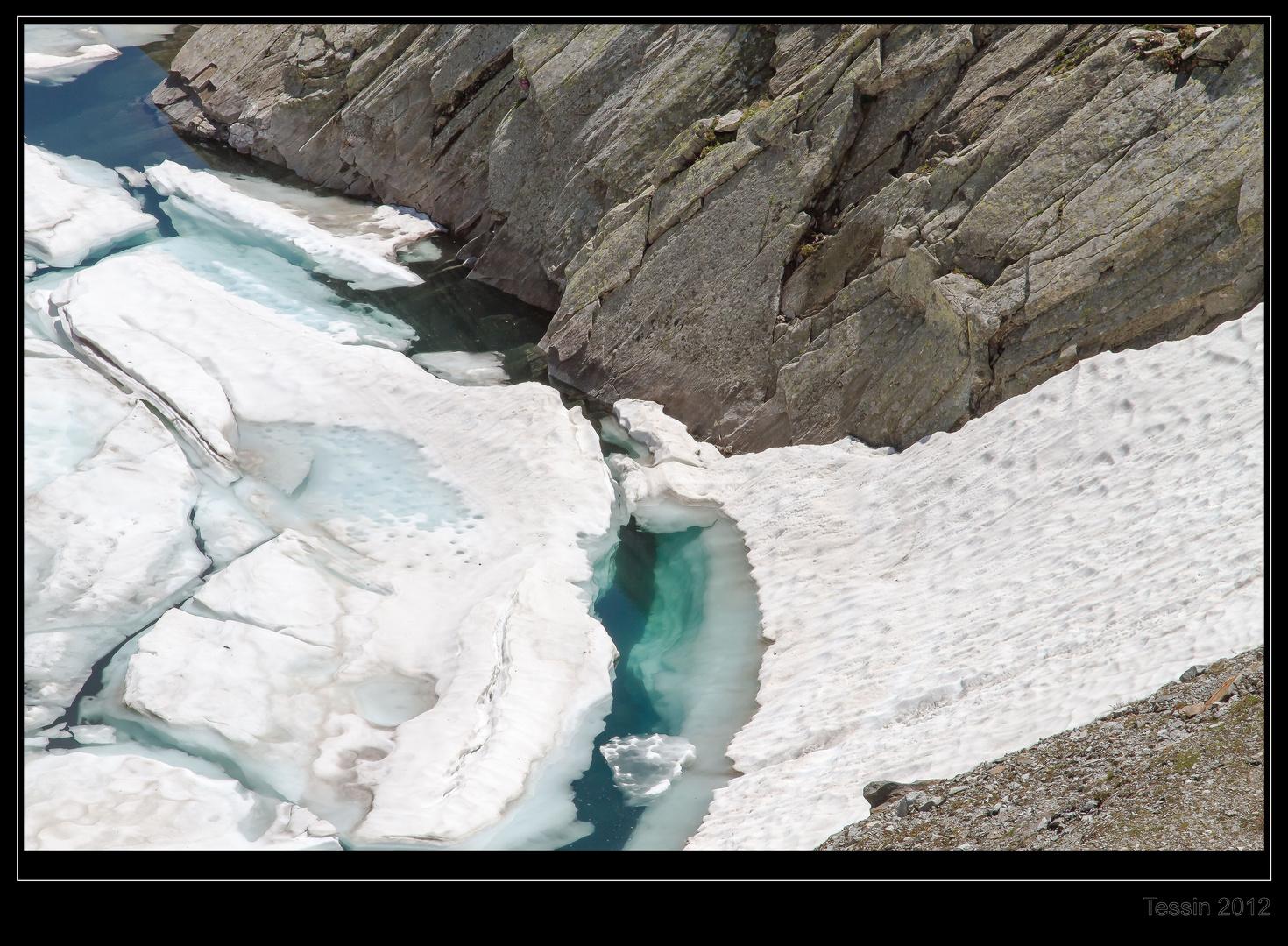 Tessin 2012 - Lago de Naret - Abbruchkante