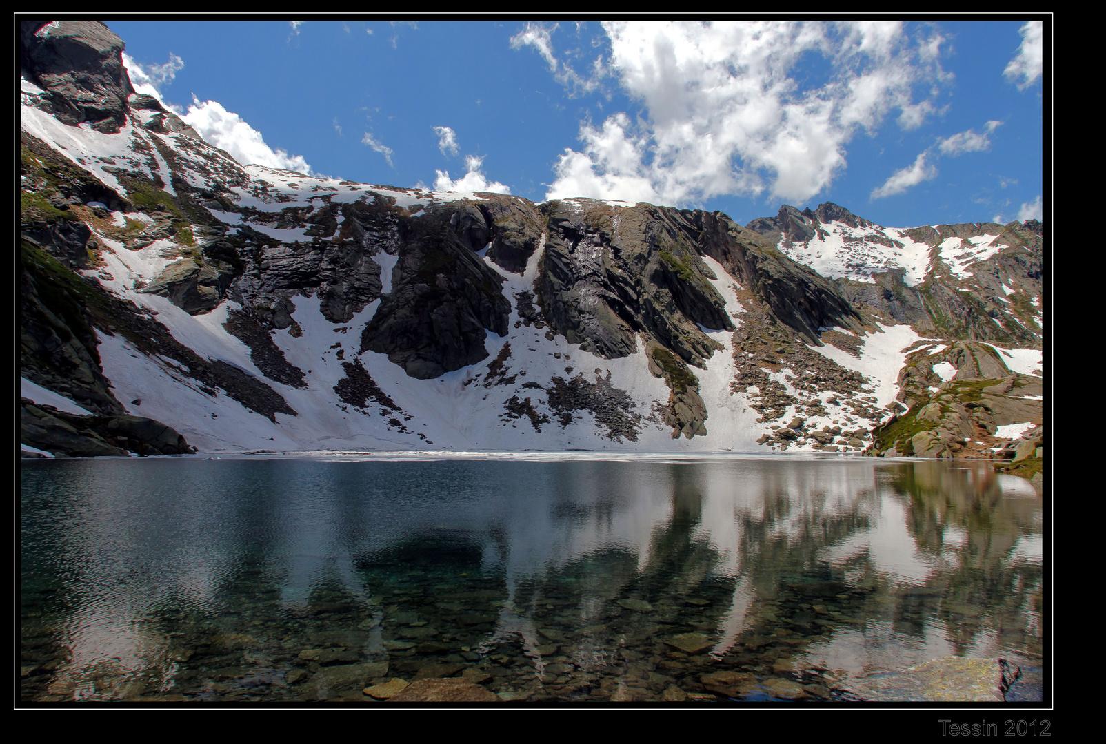 Tessin 2012 - Lago de Naret - im Spiegel