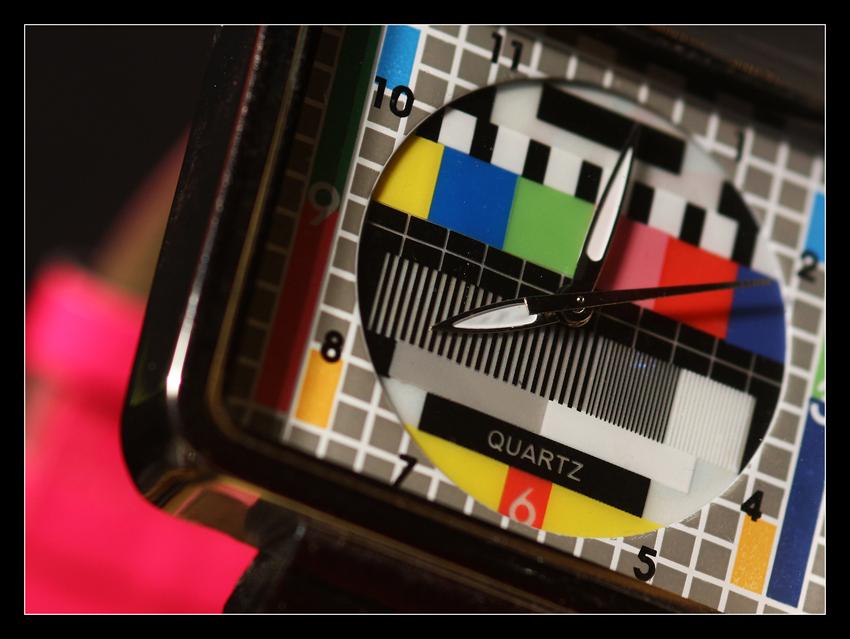 Testbild-Uhr