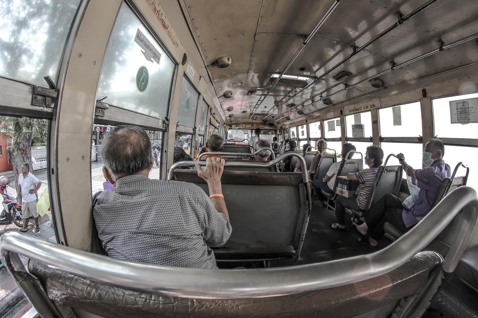 Thailand Reise - Busfahrt in Bangkok