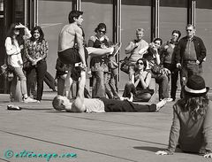 The acrobats • 1
