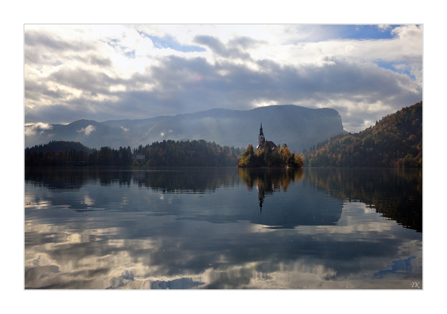 The Autumn faces of Lake Bled_09