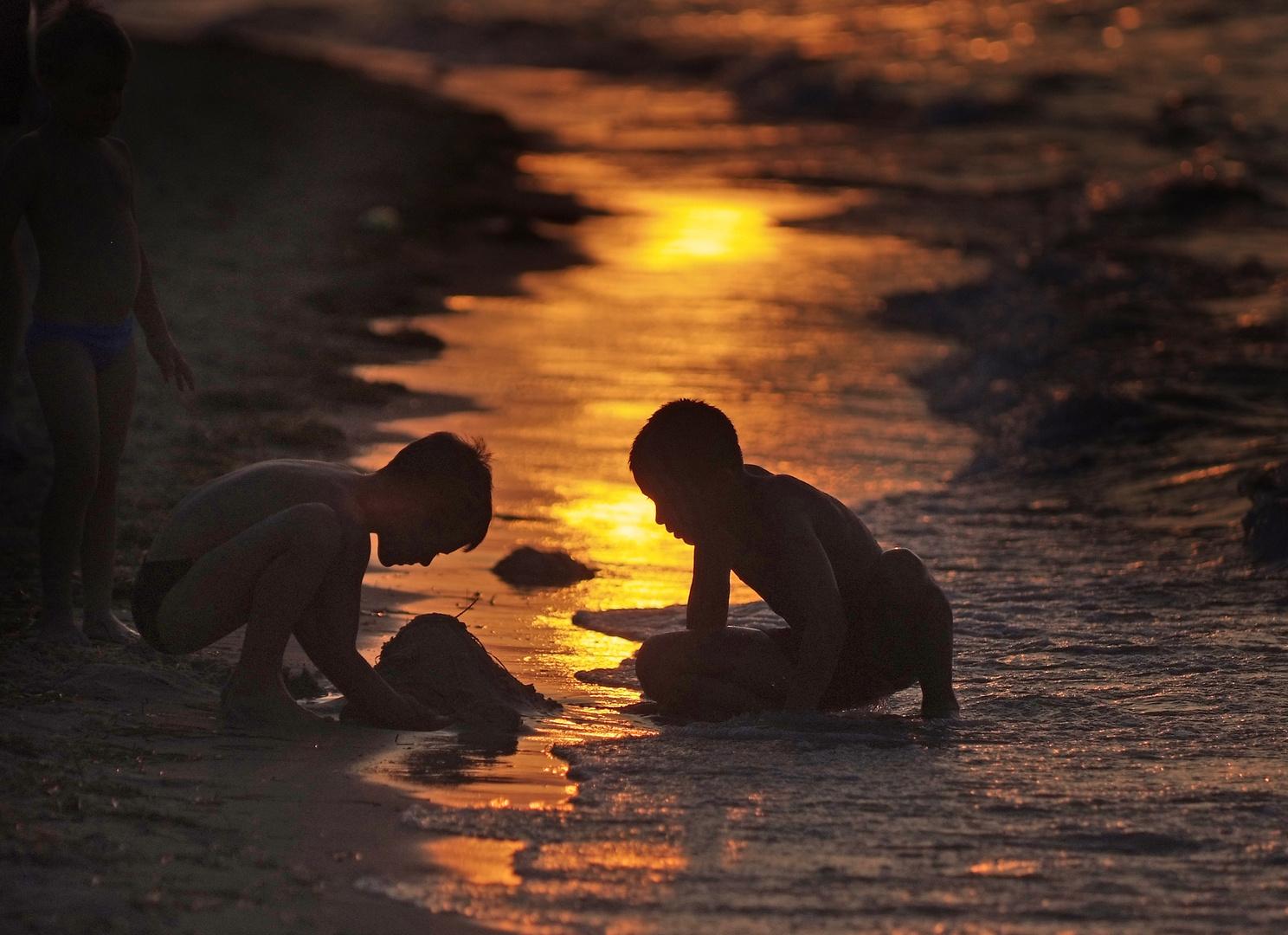 THE BEACH SANDPITS