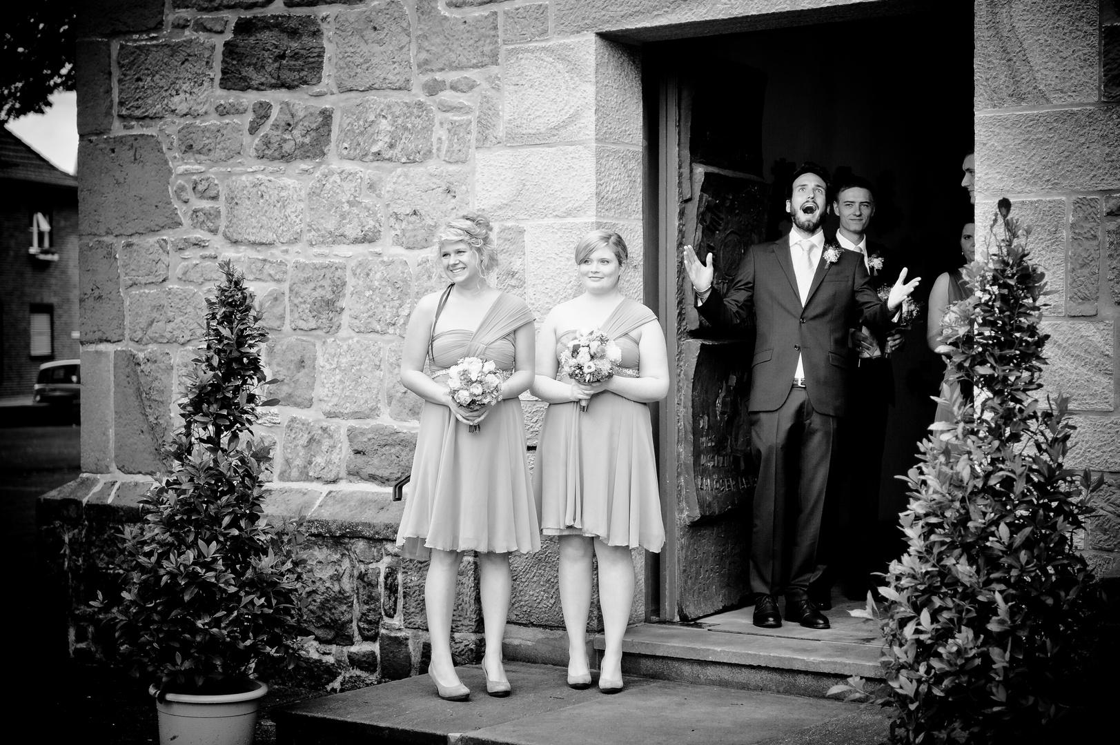 the bride comes...