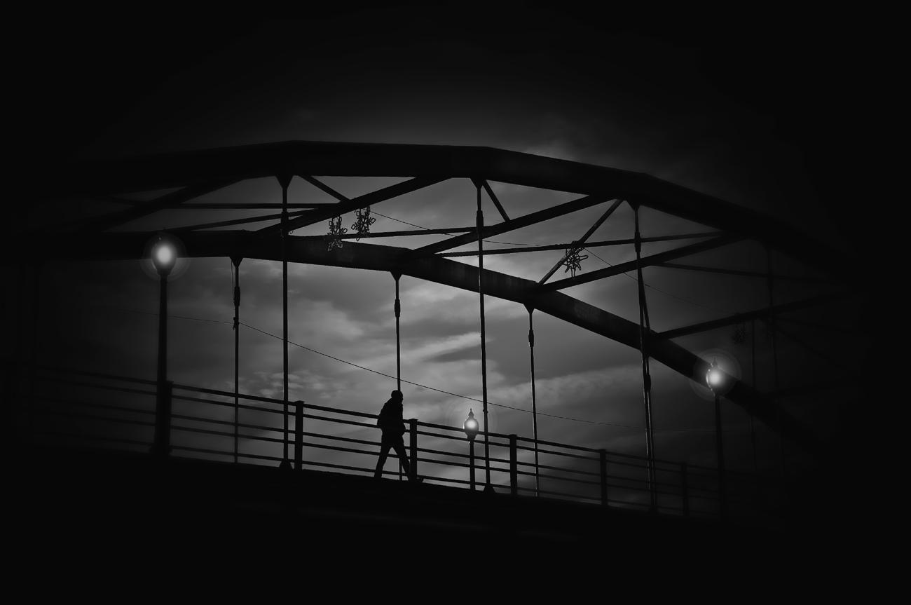 The Bridge ( El puente)