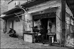The cabin of Uncle Ciccio selling souvenirs of Sicily