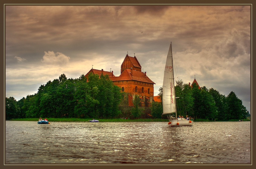 The castle on the water