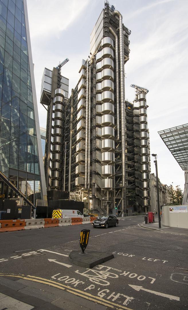 The City - Leadenhall St - Lloyd's of London - 02