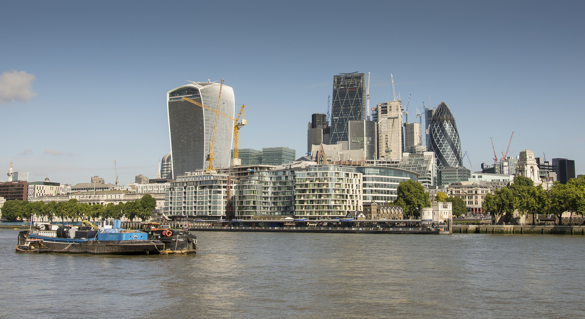 The City with Walkie Talkie and Cheesgrate - 02
