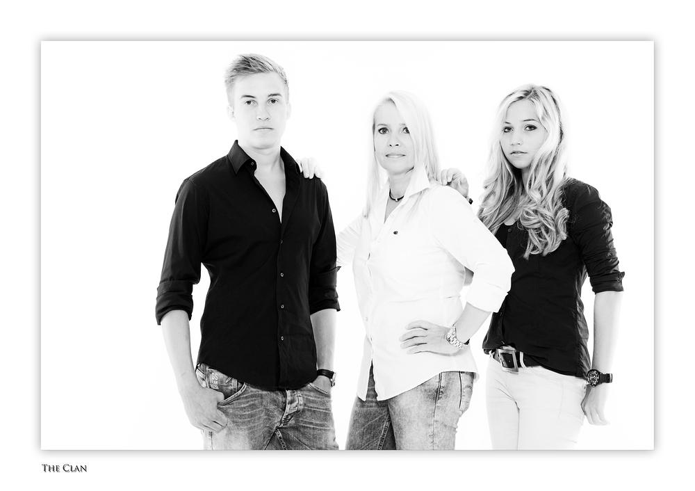 """""""The Clan"""" (Familienportrait, Forum Fotografie 2013)"""