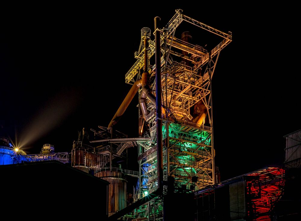 The colors of the blast furnace