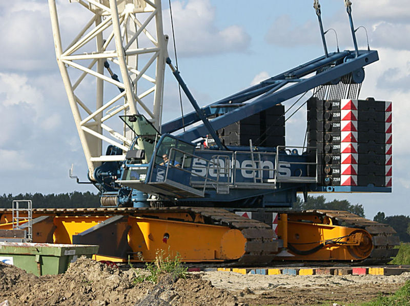 The crane for 90m high