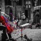 the faceless cellist