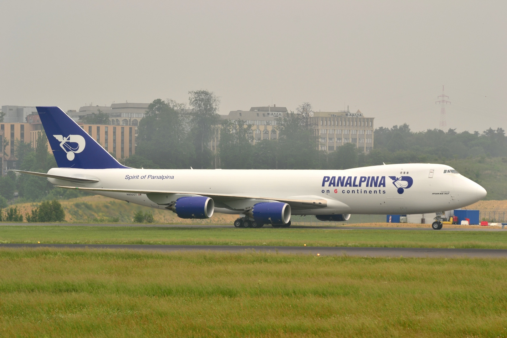The first rollout of the Panalpin jumbo 747-8 in LUX