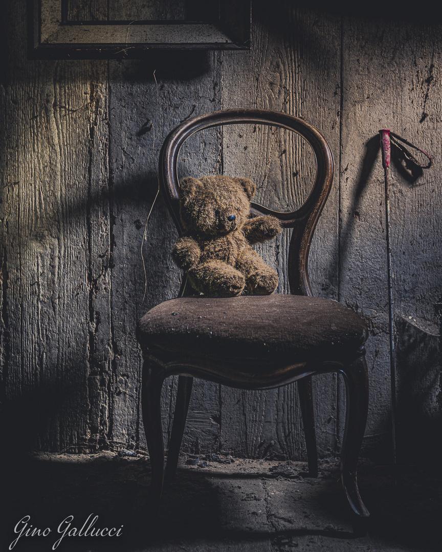 THE FORGOTTEN TEDDY