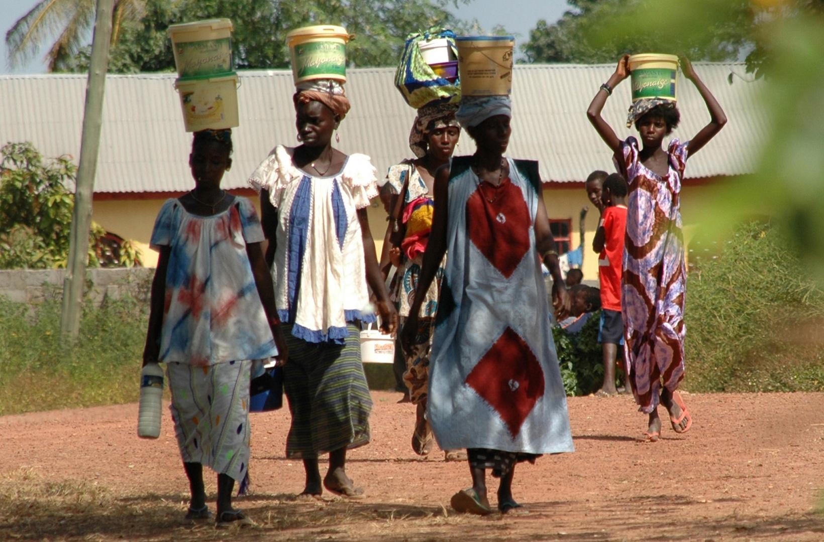 The Gambia: Frauen Foto & Bild | erwachsene, gruppen