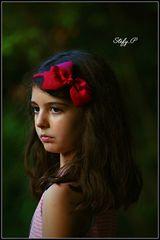 The girl with red bow/La fanciulla con il fiocco rosso