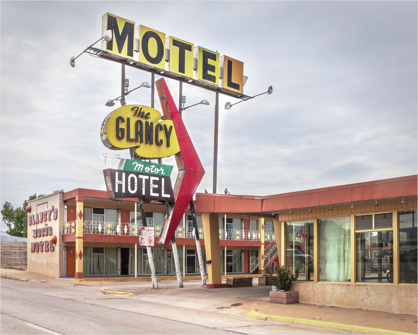 The Glancy Motor Hotel
