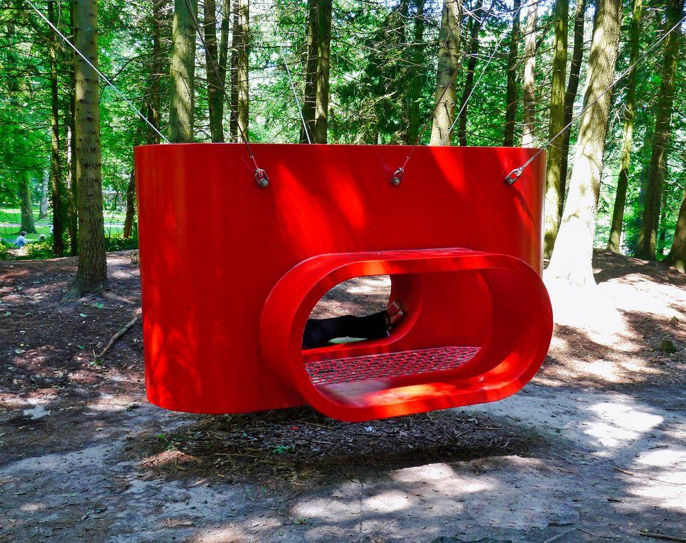 """"""" THE HUB """" eine Skulptur von Rob Sweere"""
