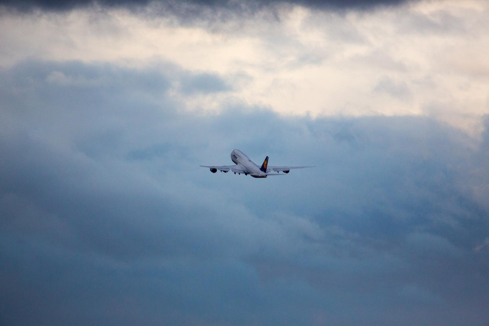 The Jumbo takes off (II)