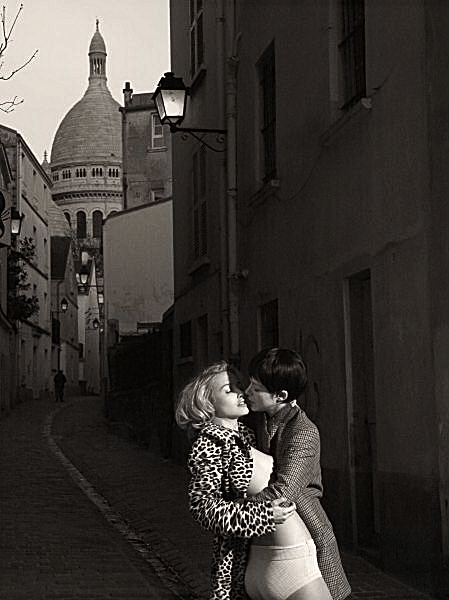 "the kiss at Montmartre  "" Cindy Cherman"""