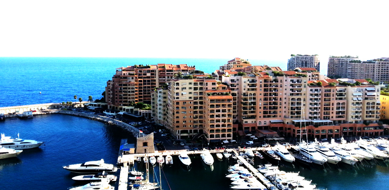 The kiss of Monaco