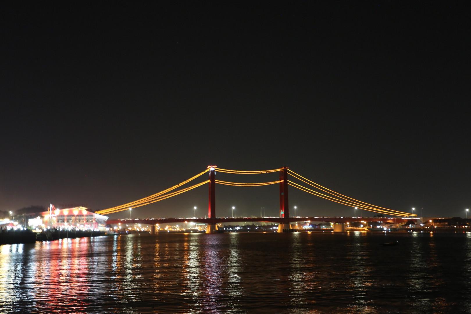 The Light og the Bridge