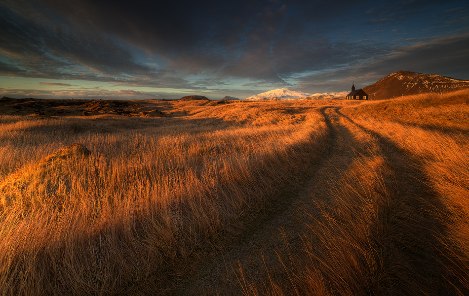 [ ... the long winding road ] by Raymó