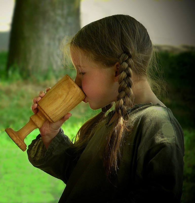The Middle Ages (33) : Thirsty child