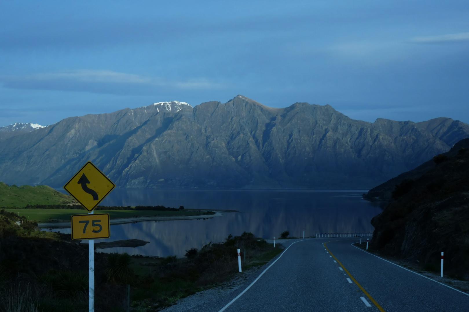 The Neck mit Blick auf den Lake Hawea in Neuseeland